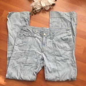 Cabi Sophia wide leg light wash jeans size 8